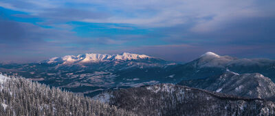 Chata pod Chlebom [Panorama z widokiem na Tatry]